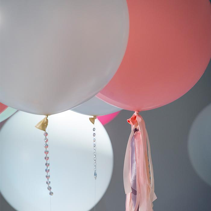 4_balloons